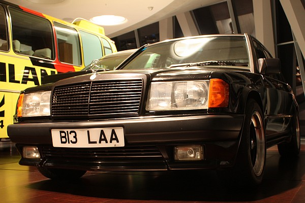 Autos von stars mercedes benz 190 e 2 3 amg von ringo for Mercedes benz rental pittsburgh