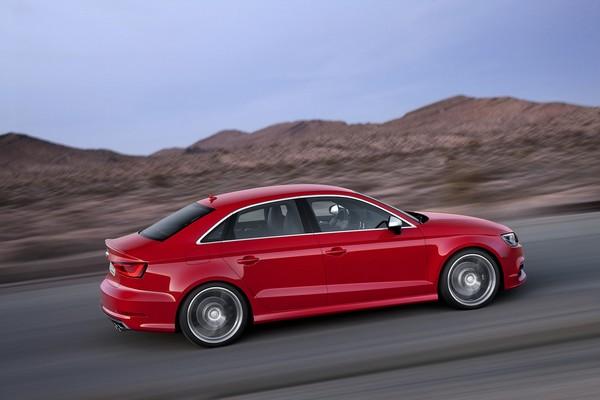 Nyias 2013 Audi S3 Limousine Vs Mercedes Cla 45 Amg