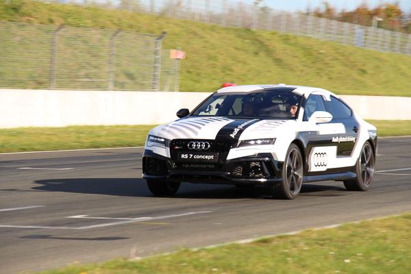 audi-rs7-piloted-driving-concept-kennzeichen-blog-6