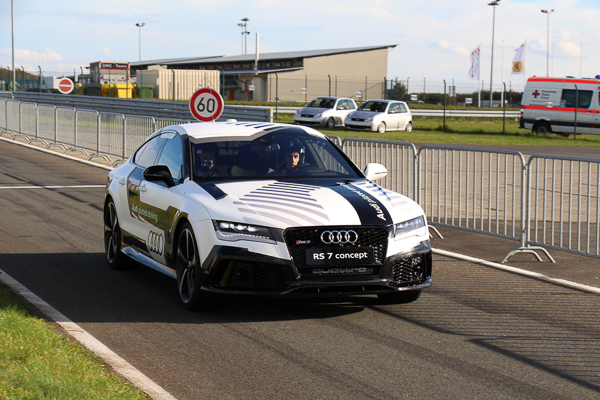 audi-rs7-piloted-driving-concept-kennzeichen-blog-7